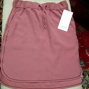 "NWT lululemon ""On the Fly"" Skirt  Size 8"